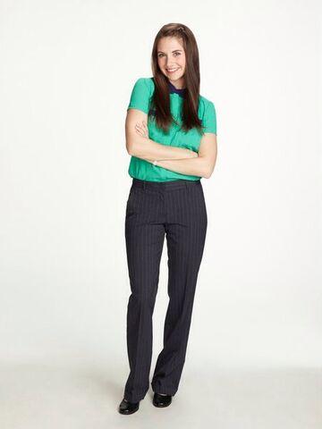 File:Annie Season Five pose.jpg