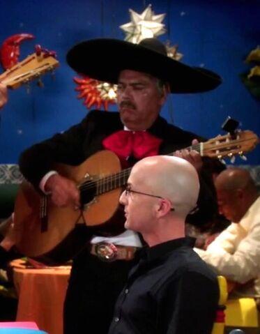File:Señor Kevin's Mariachi guitarist.jpg