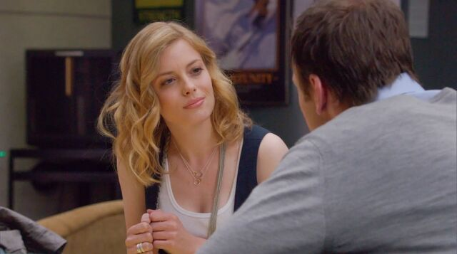File:1x1 Britta and Jeff talking2.jpg