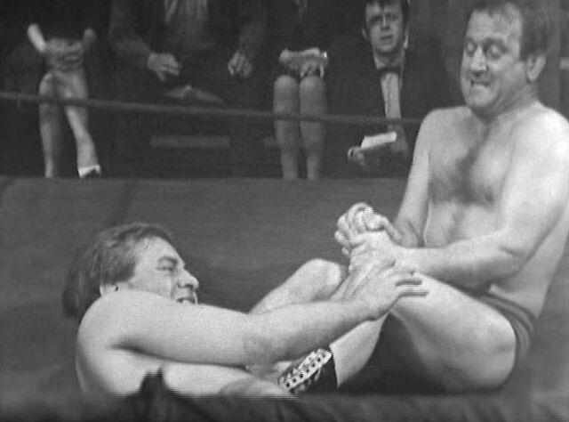 File:Wrestlers.JPG