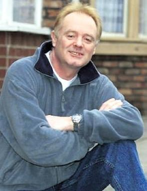 File:Les Battersby.jpg