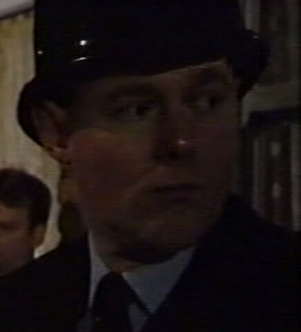 File:Policeman 2918.jpg