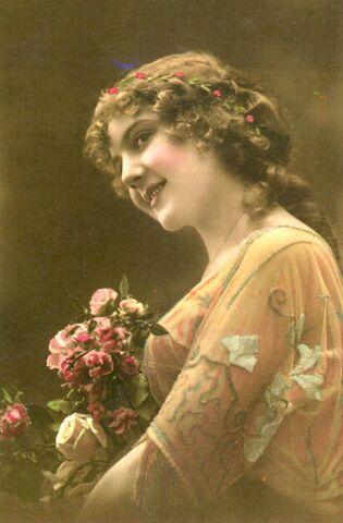 File:Mabel Grimshaw Rosa Hanbury.jpg