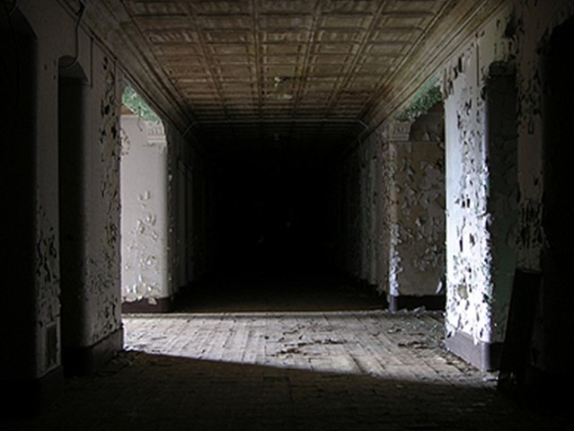 File:Creepy Insane Asylum 4.jpg