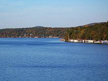 File:Lake Tillery, North Carolina.jpg