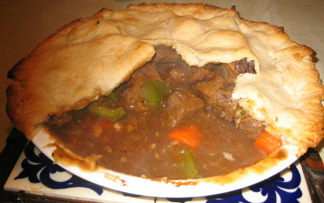 File:Homemade meat pie.jpg
