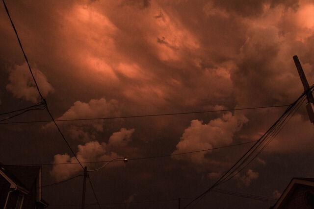 File:Dark-red-sky.jpg