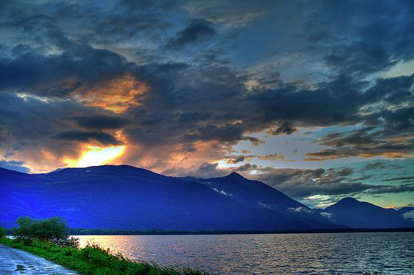 File:The-darkwoods-and-kootenay-lake-lawrence-christopher.jpg