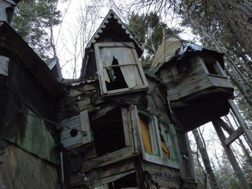 File:In my Dreams... House in the Woods.jpg