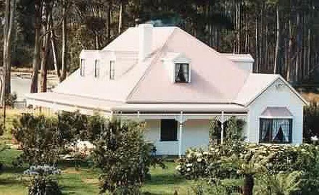 File:Seascape Cottage.jpg