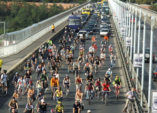 File:Cyklojizda Prague 4517.jpg