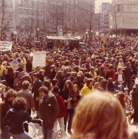File:Fahrradsternfahrt 1979.jpg