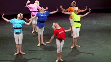 Seven Dancers extra - 1m01s