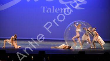 601 The Girl In The Plastic Bubble 7
