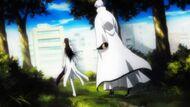 Aizen and Gin arrive in the True Karakura Town