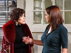 Vivian vs Carly