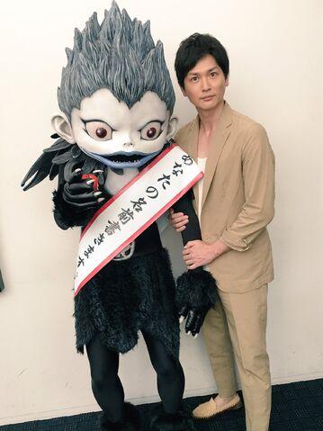 File:LNW promo event Sota Aoyama and Ryu-kun 01.jpg