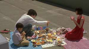 File:L has picnic with Maki and Near.jpg