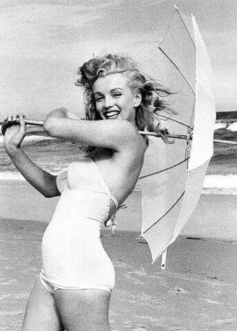 File:Marilyn-monroe-13.jpg
