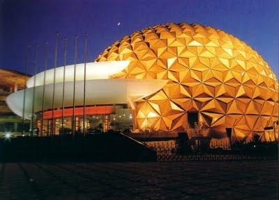 File:China-shanghai-circus-world.jpg