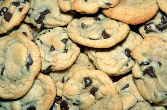File:Chewy-chocolate-chip-cookies.jpg