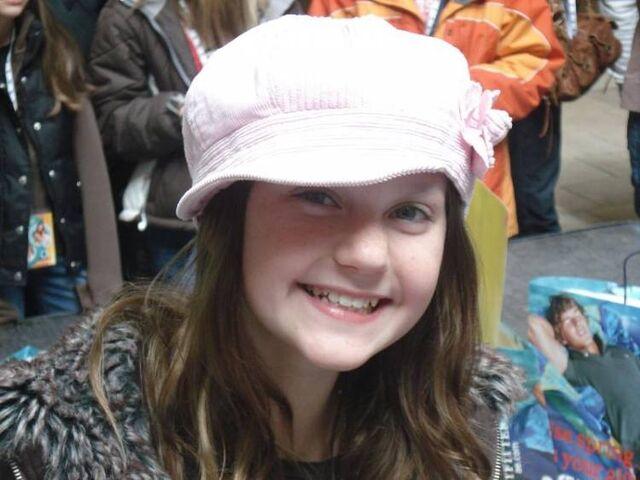 File:Jordan todosey hat.jpg