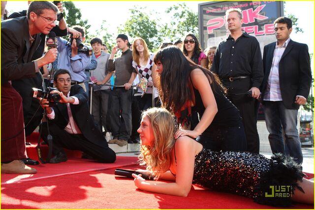 File:Lauren-collins-degrassi-goes-hollywood-14.jpg