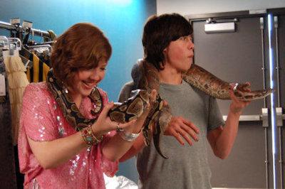 File:Munro Aislinn Holding Snake.jpg