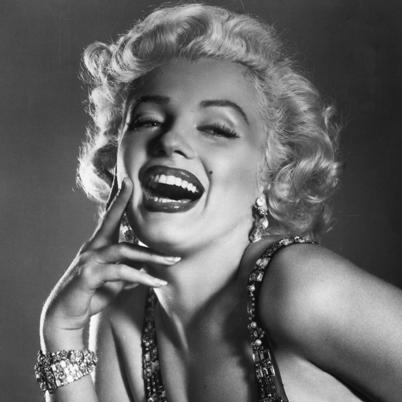 File:Marilyn-Monroe-9412123-4-402.jpg
