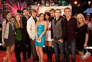 File:300px-ETalk2008-Degrassi Cast.jpg