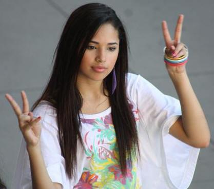 File:Jasmine V as Naomi.jpg