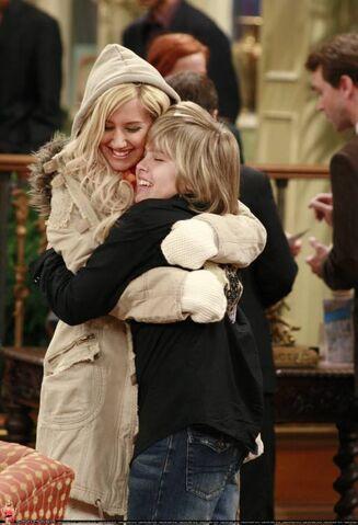 File:Maddie hugs Zack.jpg