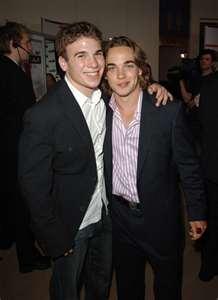 File:Shane and Daniel.jpg