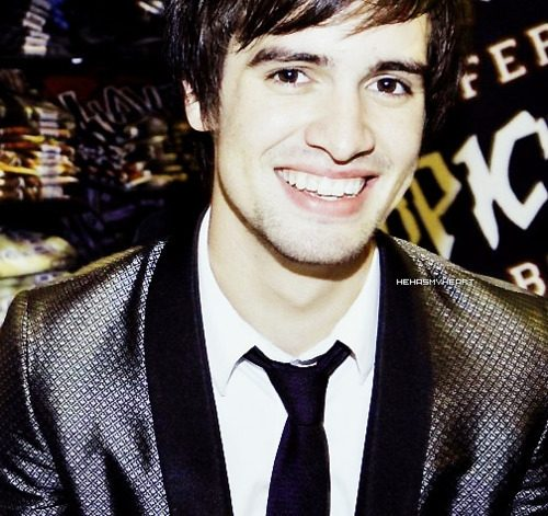 File:Eye-candy-brendon-urie-1.jpg