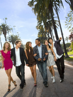File:250px-New-90210-promo-pic-90210-2122178-1200-1599.png