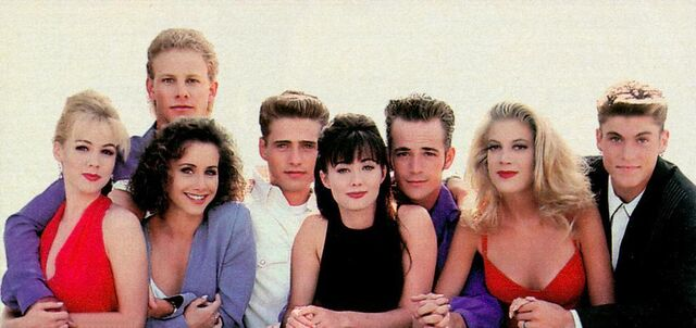 File:90210-group-beverly-hills-90210-6906455-992-468.jpg