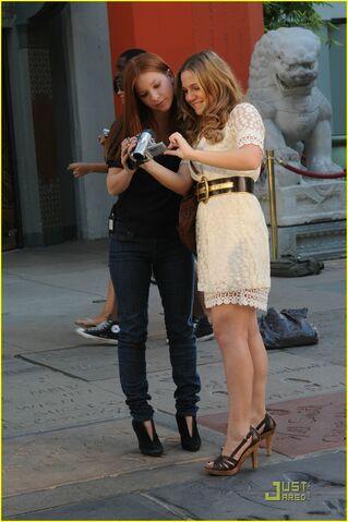 File:Lauren-collins-degrassi-goes-hollywood-04.jpg