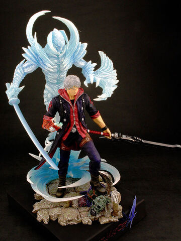 File:Resin figure DMC4 Nero 2.jpg