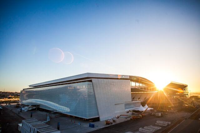 Datei:WM 2014 Stadion (3).jpg