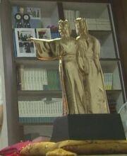 Securedownload-gold-statue
