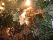 Rainforest-cafe snake