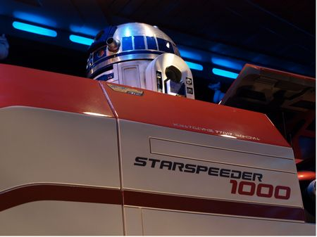 File:R2D2 in Star Tours.jpg