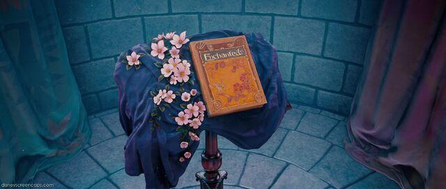 File:Enchanted-disneyscreencaps.com-2.jpg