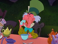 Alice-in-wonderland-disneyscreencaps.com-5209