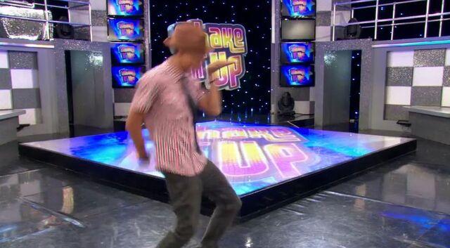 File:Shake it Up platypus walk.JPG