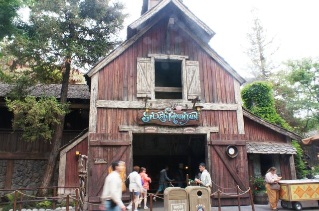 File:Disneyland-SplashMountain.jpg