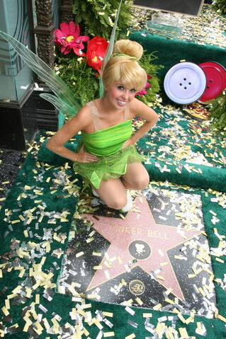 File:Tinkerbellstarwalkoffame photo 06.jpg