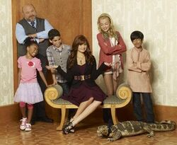 Cast of Disneys Jessie