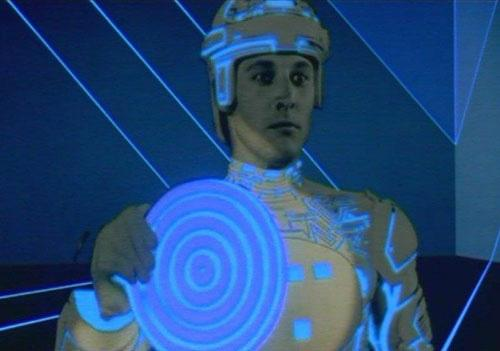 File:Tron with his disc.jpg