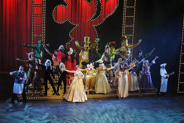 File:The Golden Mickeys at Disney Dream.jpg